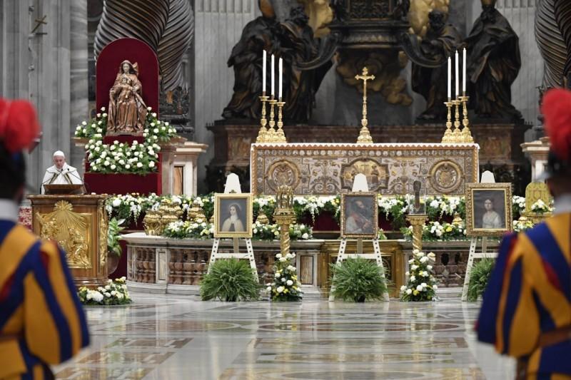 El Papa, durante su homilía