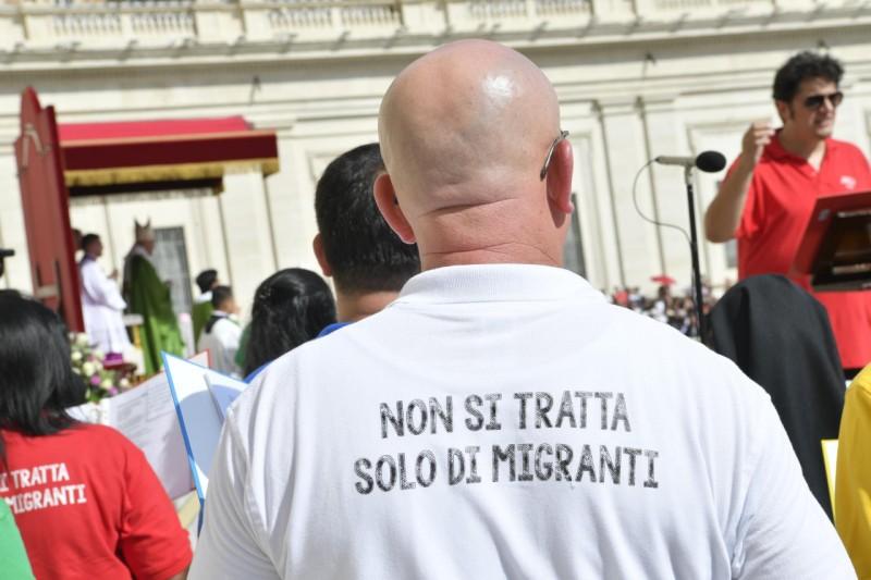 Francisco critica la crisis migrante