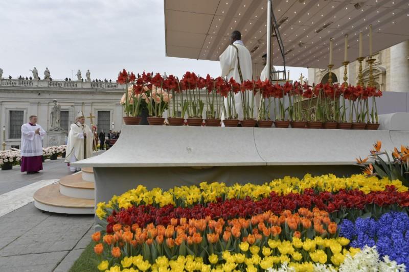Misa de Pascua en el Vaticano
