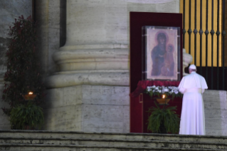 "13-Moment of prayer and ""Urbi et Orbi"" Blessing presided over by Pope Francis"