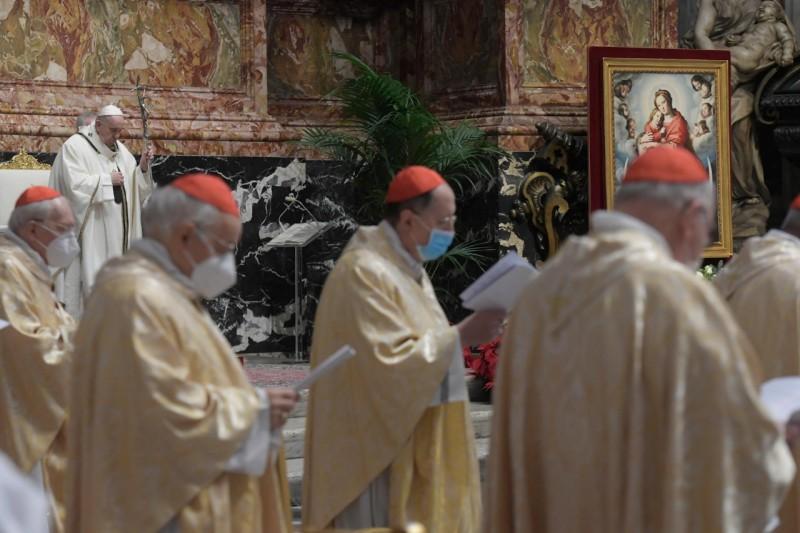 Papa y cardenales