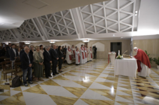 6-Morning Meditation by Pope Francis in the Chapel of the Domus Sanctae Marthae: <i>The closeness of bishops</i>