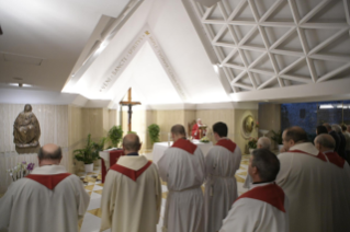 4-Morning Meditation by Pope Francis in the Chapel of the Domus Sanctae Marthae: <i>The closeness of bishops</i>