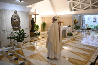 "8-Holy Mass presided over by Pope Francis at the Casa Santa Marta in the Vatican: ""Learning to live in moments of crisis"""