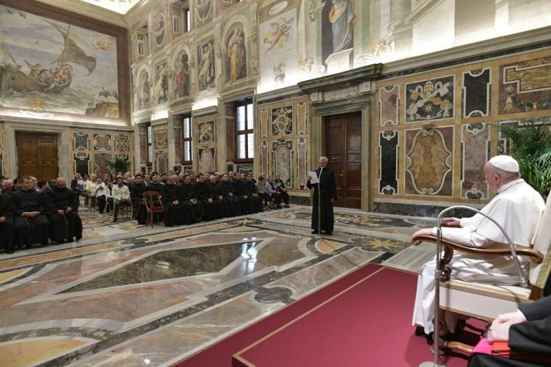 Audiencia papal a los agustinos descalzos