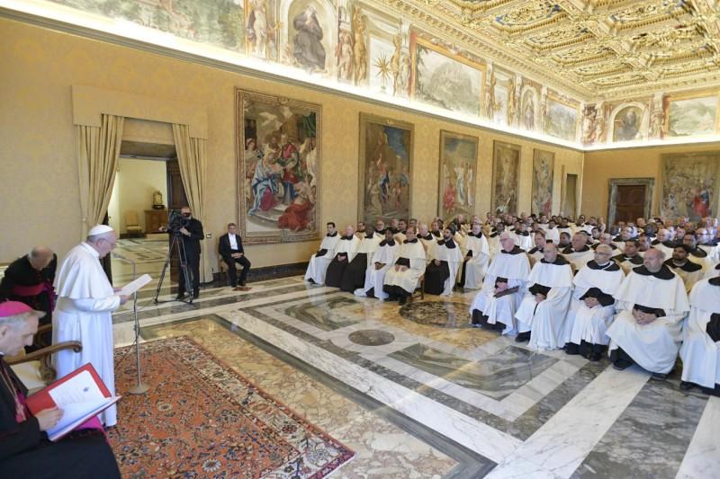 El Papa y los carmelitas