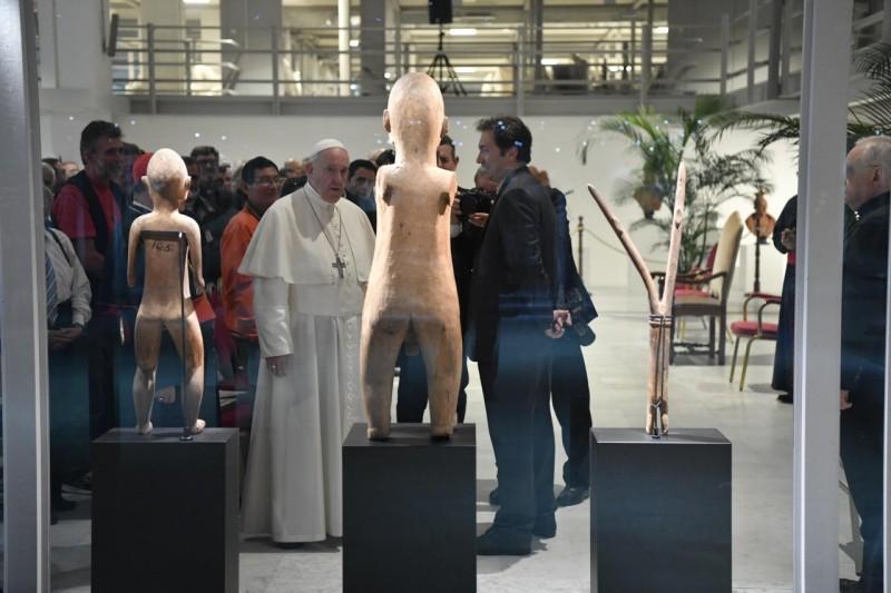 El Papa visitó el Museo Etnológico