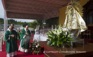 22-Apostolic Journey: Holy Mass