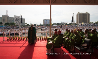 10-Apostolic Journey: Holy Mass