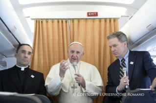 0-Apostolic Journey to Sweden: Greeting of the Holy Father to journalists during the flight to Sweden