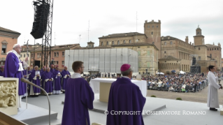 1-Pastoral Visit: Holy Mass in Piazza Martiri