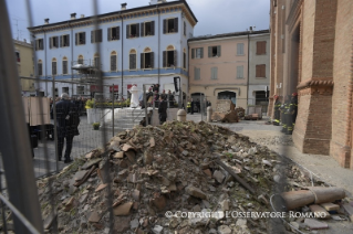18-Pastoral Visit: Meeting with the people affected by the earthquake in Piazza Duomo