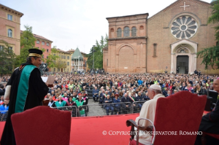 5-Pastoral Visit to Bologna: Encounter with students and representatives of the Academic world