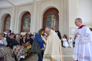 1-Pilgrimage to Fátima: Greeting of the Holy Father to the sick