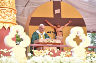 3-Apostolic Journey to Myanmar: Holy Mass