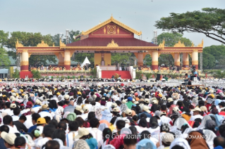 6-Apostolic Journey to Myanmar: Holy Mass