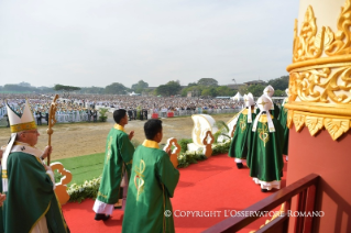 8-Apostolic Journey to Myanmar: Holy Mass