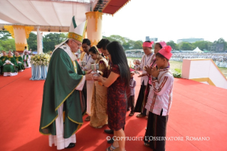 16-Apostolic Journey to Myanmar: Holy Mass