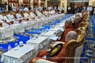 0-Apostolic Journey to Myanmar: Meeting with the Supreme