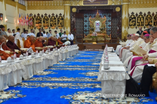 3-Apostolic Journey to Myanmar: Meeting with the Supreme