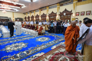 13-Apostolic Journey to Myanmar: Meeting with the Supreme