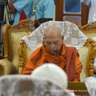 19-Apostolic Journey to Myanmar: Meeting with the Supreme