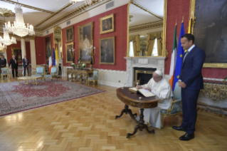 10-Apostolic Visit to Ireland: Meeting with Authorities, Civil Society and Diplomatic Corps