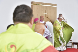 22-Apostolic Visit to Ireland: Holy Mass