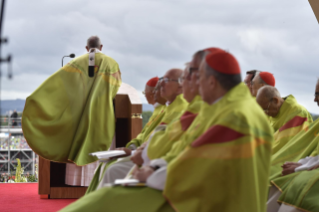 20-Apostolic Visit to Ireland: Holy Mass