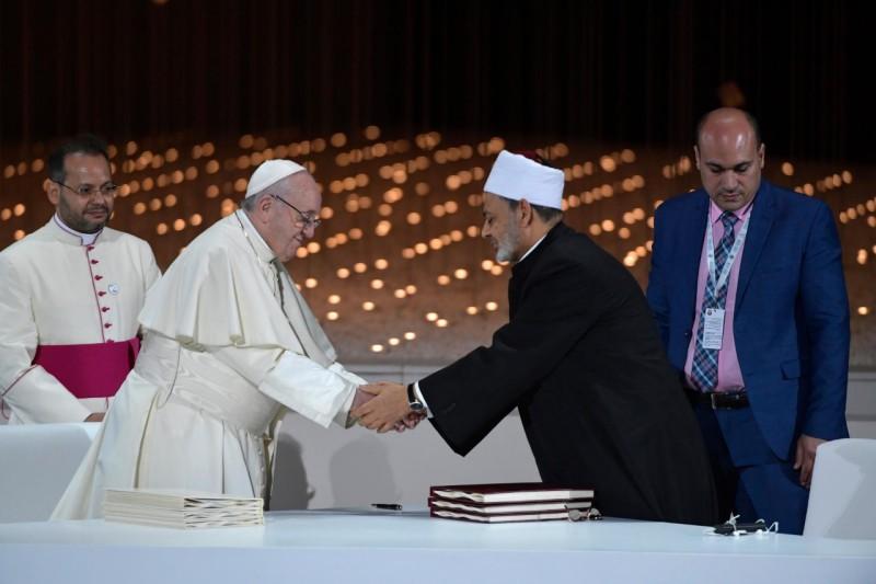 Documento sobre la Fraternidad Humana: por la paz mundial y la convivencia común