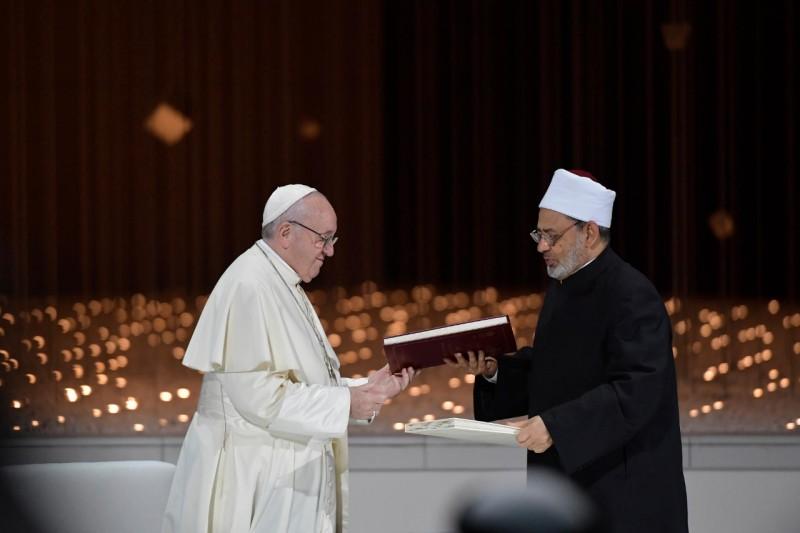 Photo Pape François et le Grand Imam d'Al-Azhar Ahamad al-Tayyib