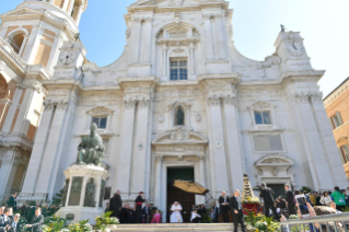 0-Visit to Loreto: Meeting with the faithful