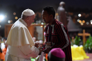 6-Apostolic Journey to Madagascar: Vigil with the Young