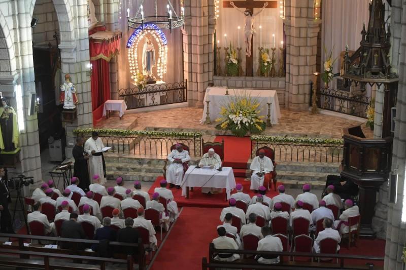 Francisco, con los obispos de Madagascar