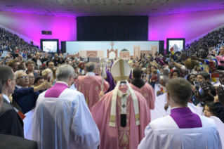 14-Apostolic Journey to Morocco: Holy Mass