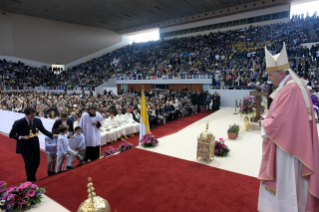 17-Apostolic Journey to Morocco: Holy Mass