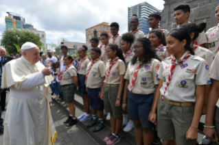 3-Apostolic Journey to Mauritius: Holy Mass