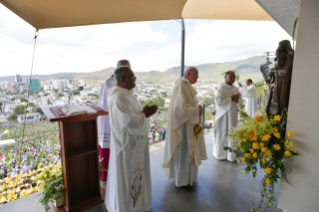 10-Apostolic Journey to Mauritius: Holy Mass