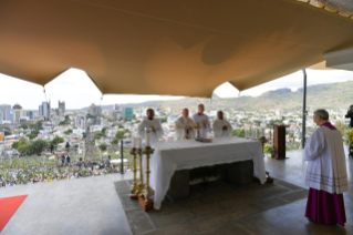 5-Apostolic Journey to Mauritius: Holy Mass