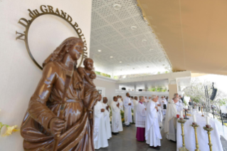 18-Apostolic Journey to Mauritius: Holy Mass