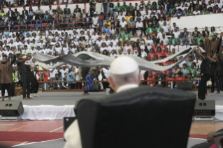 6-Apostolic Journey to Mozambique: Interreligious Meeting with the Young