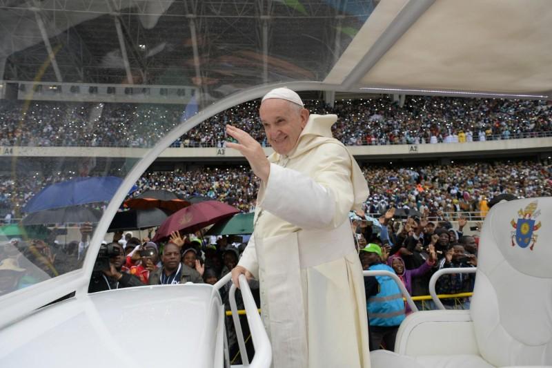 Papa, en el estadio Zimpeto
