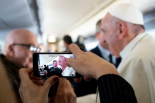 5-Apostolic Journey to Panama: Greeting to journalists on the flight to Panama