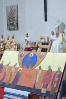 12-Apostolic Journey to Romania: Divine Liturgy with the Beatification of 7 Greek-Catholic Martyr bishops