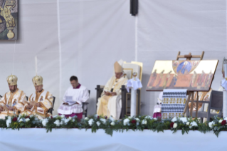 15-Apostolic Journey to Romania: Divine Liturgy with the Beatification of 7 Greek-Catholic Martyr bishops