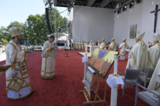 17-Apostolic Journey to Romania: Divine Liturgy with the Beatification of 7 Greek-Catholic Martyr bishops