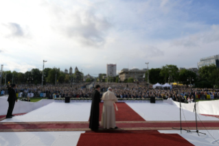 19-Apostolic Journey to Romania: Marian meeting with young people and families