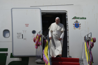 0-Apostolic Journey of the Holy Father to Thailand: Official welcome