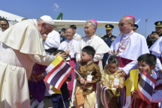3-Apostolic Journey of the Holy Father to Thailand: Official welcome