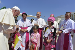 9-Apostolic Journey of the Holy Father to Thailand: Official welcome